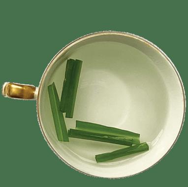 xícara de chá de capim-limão