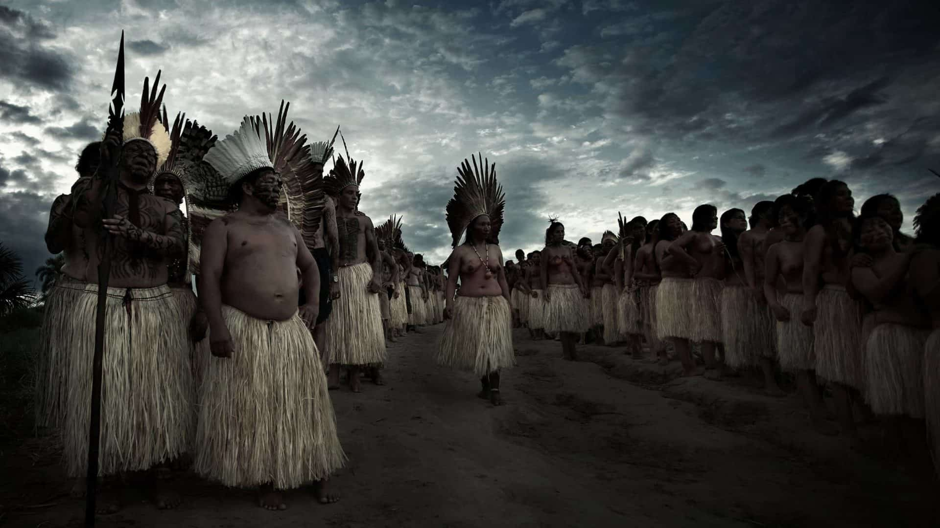 Índigenas da tribo Yawanawá em ritual